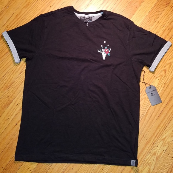 Free Planet Other - FREE PLANET Longhorn Cow Skull T-Shirt | NWT | L